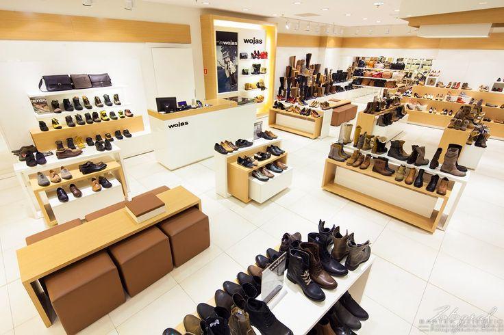 Fotografia reklamowa sklepów- Zdjęcia wnętrz sklepu z obuwiem Wojas.   #FotografiaArchitekturyiWnętrzsklepów #FotografiaReklamowaSklepu Zobacz więcej na http://zdjecia-reklamowe.pl/blog/fotografia-reklamowa-sklepow-zdjecia-wnetrz-sklepu-z-obuwiem-wojas/