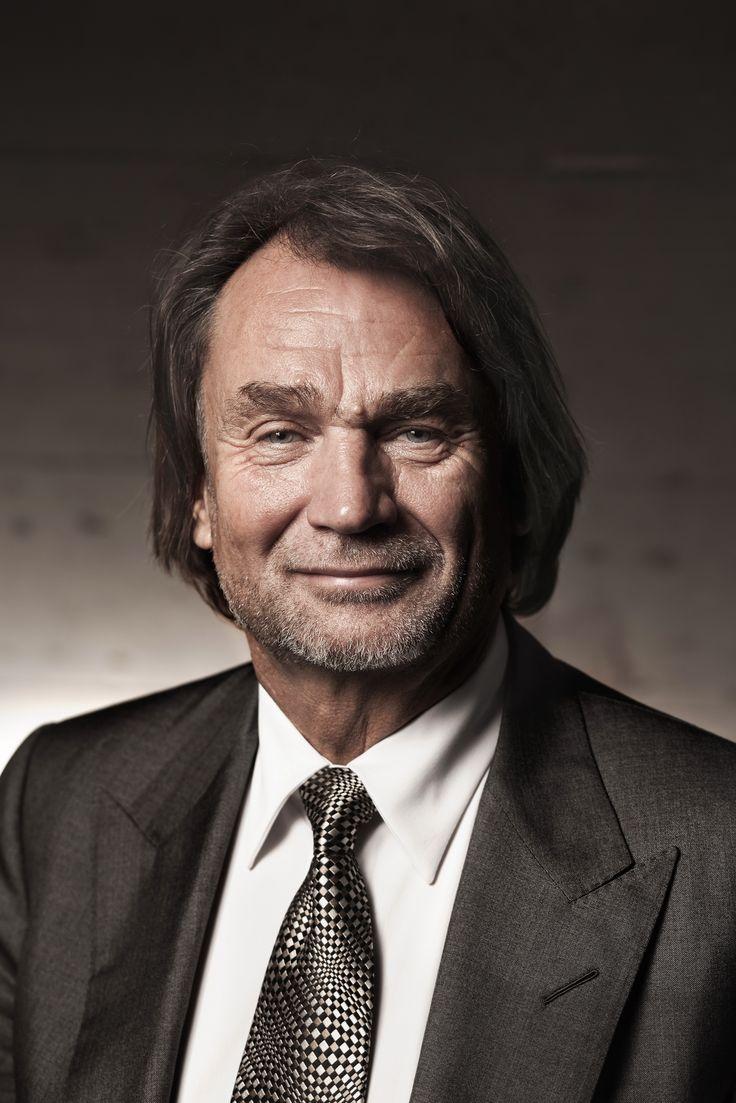 Jan Kulczyk- Przedsiębiorca, właściciel firmy Kulczyk Holding oraz międzynarodowej grupy inwestycyjnej Kulczyk Investments