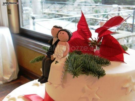 http://www.lemienozze.it/gallerie/torte-nuziali-foto/img7562.html Torta nuziale con simpatico cake topper
