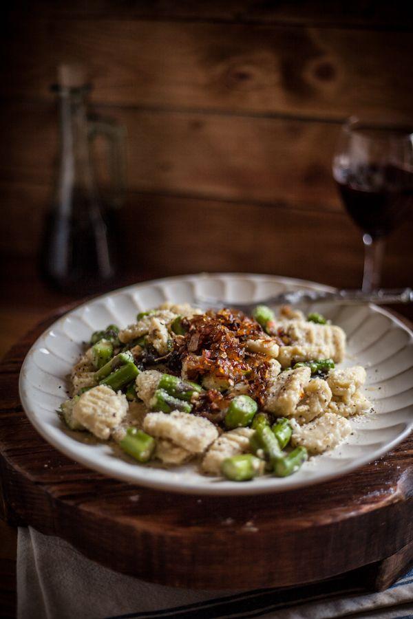 toasted sage gnocchi w/ sautéed asparagus & caramelized shallots