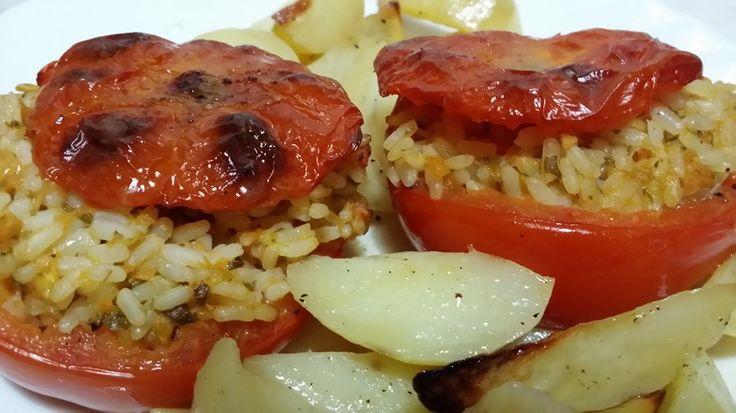 I pomodori con riso per me è sinonimo d'estate nonostante il caldo accendo volentieri il forno per preparare questo piatto unico della tradizione romana.