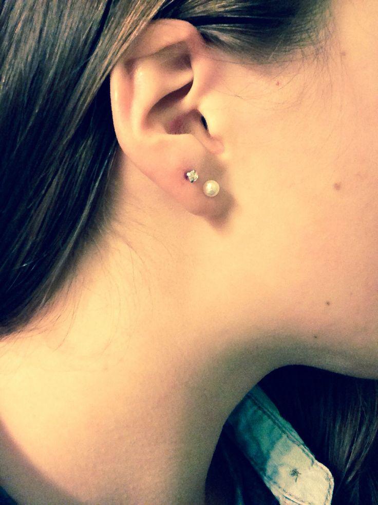 Double lobe piercing