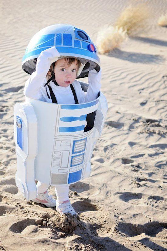 Das ist wahrscheinlich der Droide nach dem du gesucht hast, oder? Diesen R2D2 kannst du dir selber basteln - für dein Kind zum nächsten Halloween. | unfassbar.es