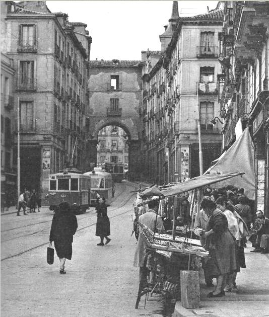 Madrid - Calle Toledo hacia Plaza Mayor