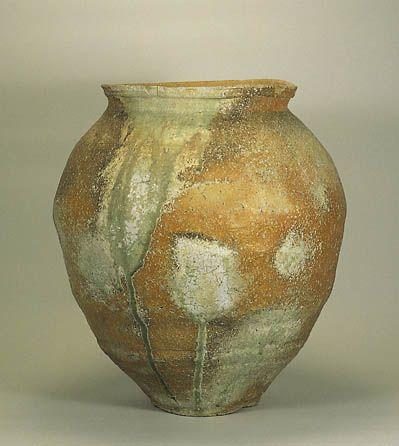 Stoneware with Natural Ash Glaze | Muromachi Period| 16th Century | h. 55.0cm|The Museum of Oriental Ceramics,Osaka