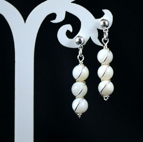 Cliona Pearl Earrings. Beautiful feminine earrings with a touch of 'je ne sais quoi'.