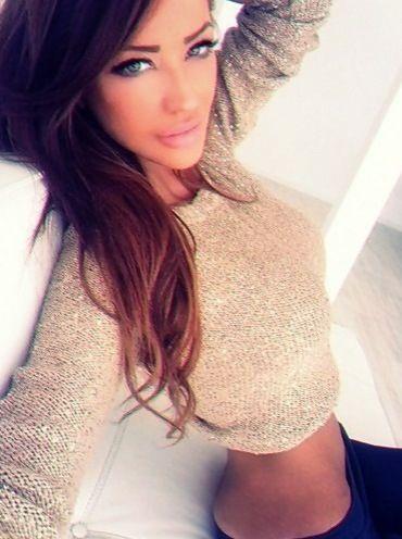 Irina Shyk, I like her style. Cute sweater