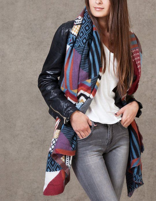 Soft geometric patch scarf - SCARVES - WOMAN | Stradivarius Croatia