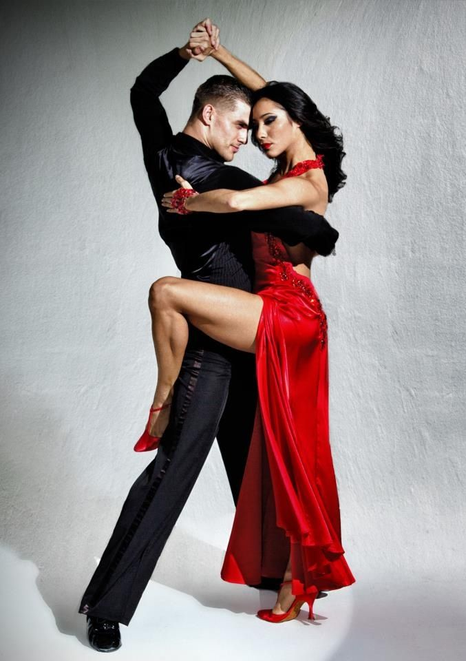 how to dance right lunge in tango
