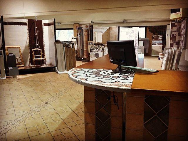 #showroom #ildiscountdellapiastrella #milano #pantigliate #esposizione #salamostra #salamostrapiastrelle  #assistenza #professionalità #prodottiperlacasa #ristrutturare