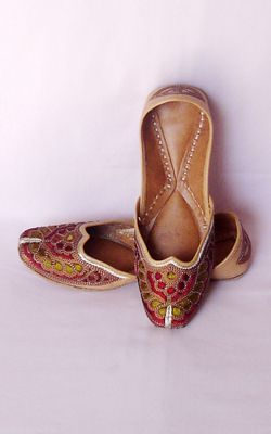 Indian Punjabi Jutti / shoes. Slipper like handmade and hand embroidered shoes. I love the colors in these, the fuchia and purple on a tan background are so cute.