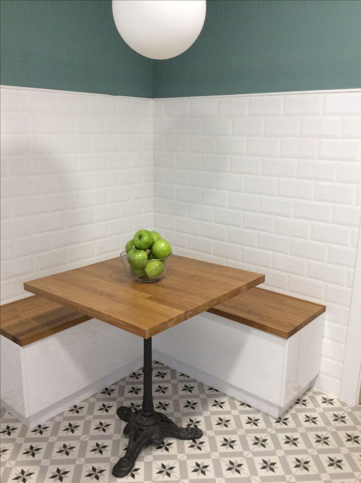 rincones para compartir mesa de cocina con bancos de