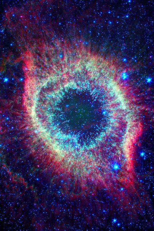One more picture of Helix nebula (NGC 7293). This one got a huge image post-processing: the result is stunning, with detail and hue nuances rarely seen.