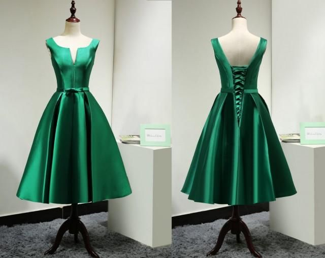 Modest Satin Emerald Green Bridesmaid Dress Short Custom/Elegant Tea Length Prom Dress Green/Wedding Party Dress/Homecoming Dress Short