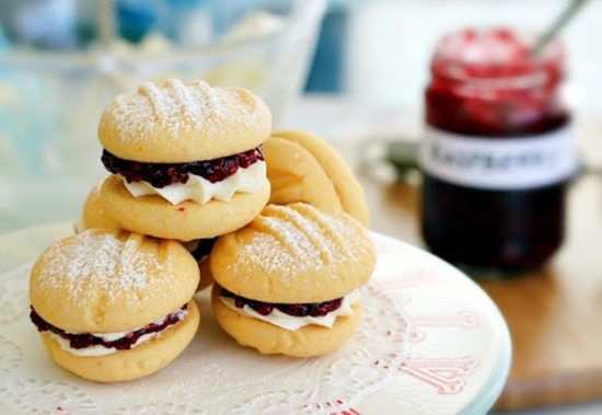 Melting Moments Biscuits With Jam A Family Fave