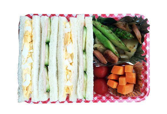 卵サンド/ハムきゅうりサンド/アスパラ入りジャーマンポテト/簡単ピクルス(にんじん)/プチトマト