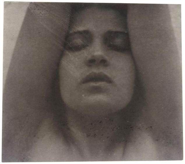 Tina Modotti ritratta da Edward Weston Documenti inediti dell'ultima parte della vita di Tina modotti biografia misteri Hollywood Messico Mosca