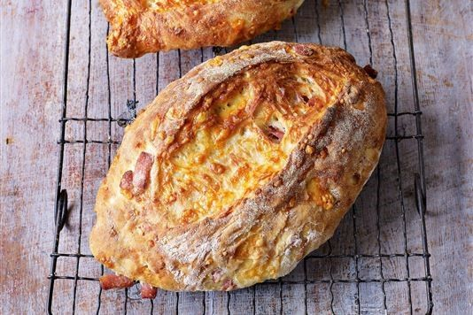 Bacon and Cheddar Loaves ~ homemade yeast bread with ham & cheese bits baked in | recipe by GBBO's Paul Hollywood via Love Food