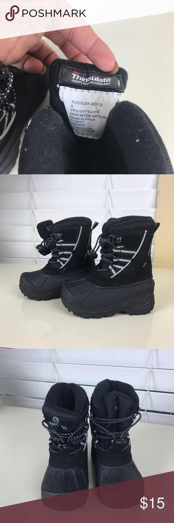 Boys snow boots Boys snow boots size 5 Great condition  Only worn twice Shoes Rain & Snow Boots