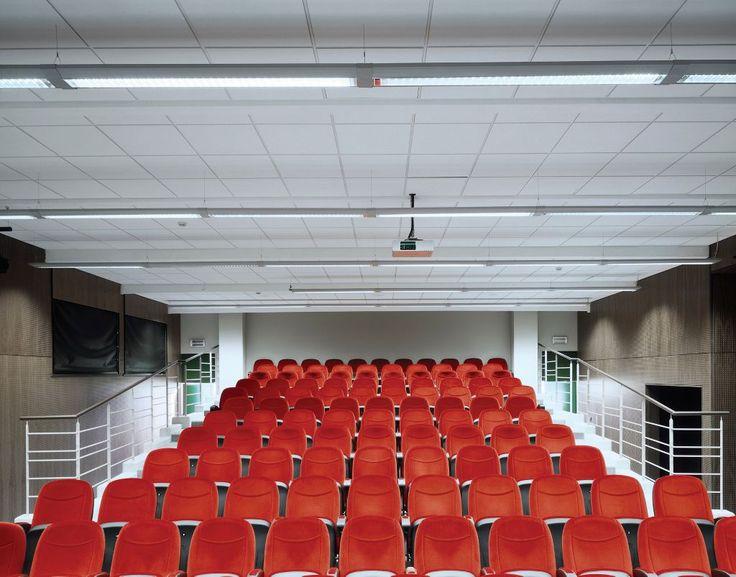 Syntra, Oudenaarde, Belgia, Armstrong, sufity podwieszane, sufit akustyczny, ceiling, acoustic
