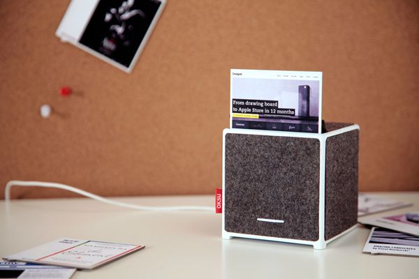 Inkless printer for your phone! Such a cool idea :)