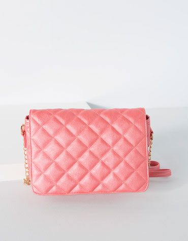 Bags & Purses Quilted bag with flap Price: £15.99 £12.99 Ref. 9603/862 Note 18 x 26 x 8