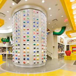 The Lego Store at Rockefeller Center .... oh I hope we get to NYC for the parade ~ gift card for Buddy's bday?