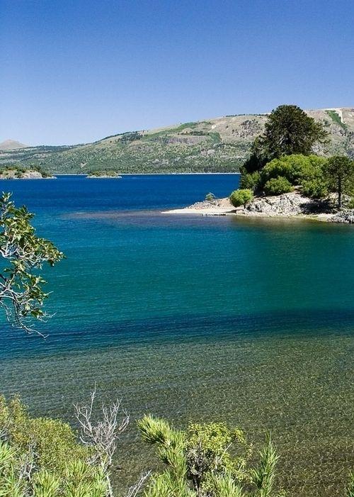 Aluminé Lake (Lago Aluminé) | Villa Pehuenia | Neuquén | Argentina - Artista Flores