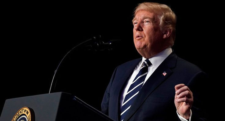Trump firma la ley de presupuesto que evita cierre del Gobierno federal
