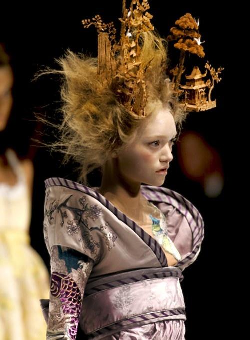 Gemma Ward in Alexander McQueen