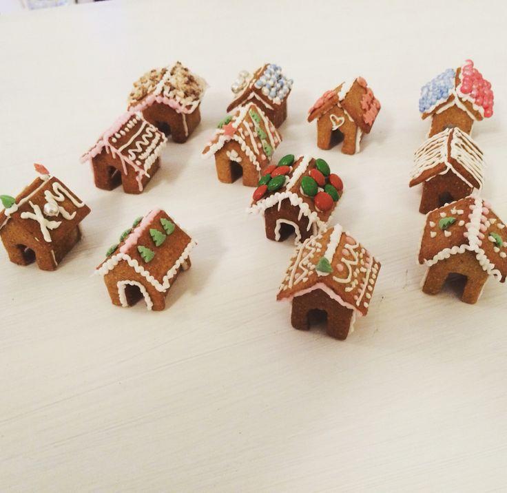 Mini Gingerbread house village! So cute!!