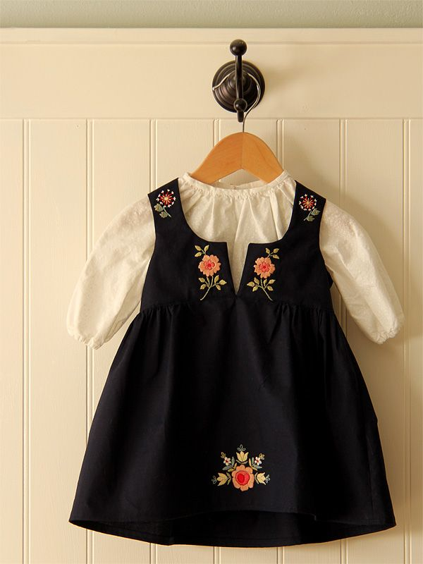 sweet little embroidered dress // posie gets cozy