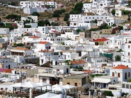 Prachtig de stad Lindos met de witte huisjes op het eiland Rhodos. Love it the white houses of beautifull Lindos on Rhodes.