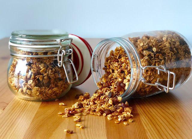 Gospodyni Miejska: Cynamonowa granola z rodzynkami