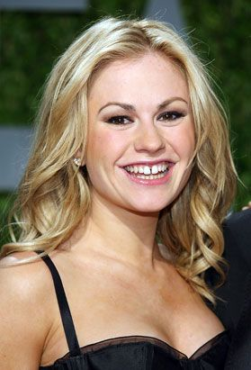 Anna Paquin- If this True Blood actress ever becomes a vampire herself, surely the gap would come in blood-sucking handy :)