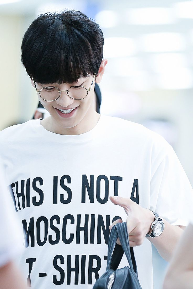 Chanyeol - white graphic tee and specs !
