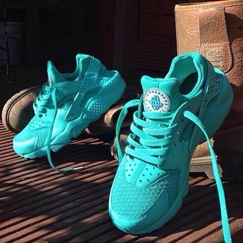 Tiffany Blue Nike Huaraches