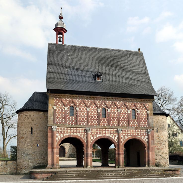 Kloster Lorsch 05 - Carolingian architecture - Wikipedia, the free encyclopedia