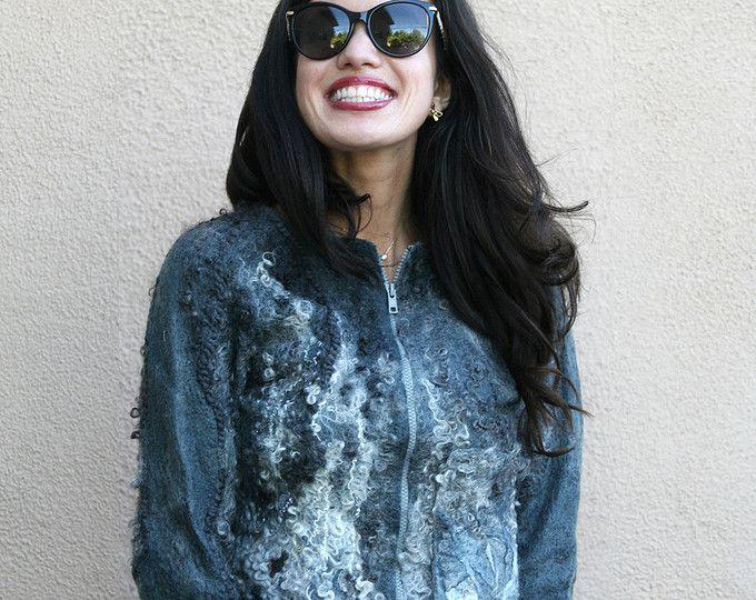 Nuno gefilzte Eco Mode Pelz Silber graue Jacke Frau handgemachte einzigartige Strickjacke Wolle Frauen kurze warme leichte Jacke OOAK tragbare Kunst zum tragen