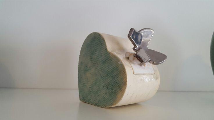 mini urn met vlinder www.gedenkenschenk.nl