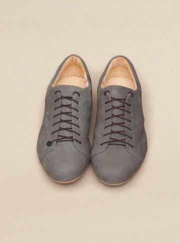 Exactement le genre de souliers que je cherche!