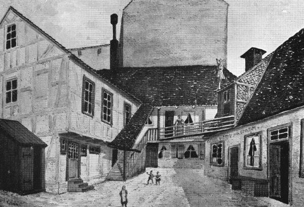 gaardsplads_i_nedre_voldgade_1898_ix.jpg