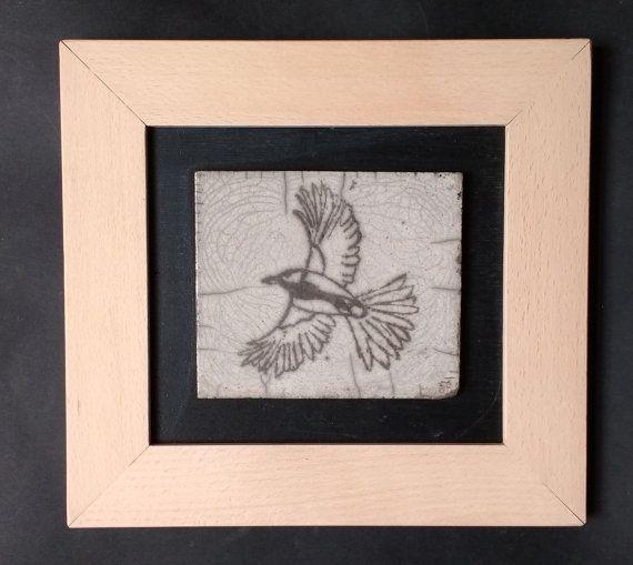 Tavolo in ceramica Raku  uccello in volo  unico fatti a mano