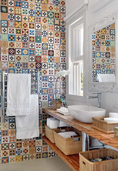 Baños Estilo Ajedrez:Colorful Wall Tiles Bathroom