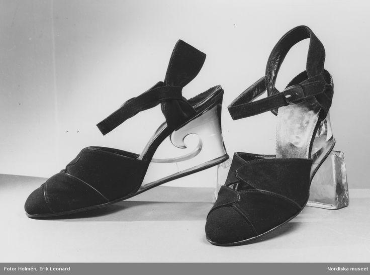 1941. Aftonskor med remmar och transparent kilklack. Foto: Erik Holmén