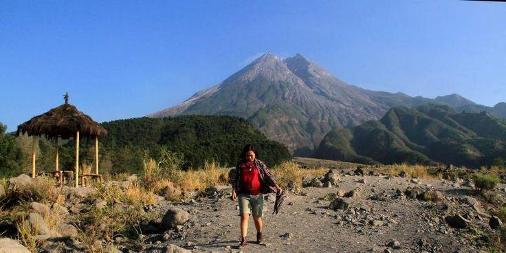Malam Tahun Baru, Hanya 2.500 Orang Yang Boleh Mendaki Merapi - http://darwinchai.com/traveling/malam-tahun-baru-hanya-2-500-orang-yang-boleh-mendaki-merapi/