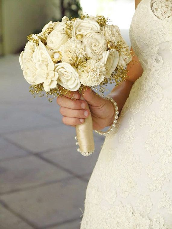 Gold Button Bouquet- Sola Flower bouquet, Handmade Keepsake Bouquet, Elegant Wedding, Vintage Wedding. auf Etsy, 92,27 €