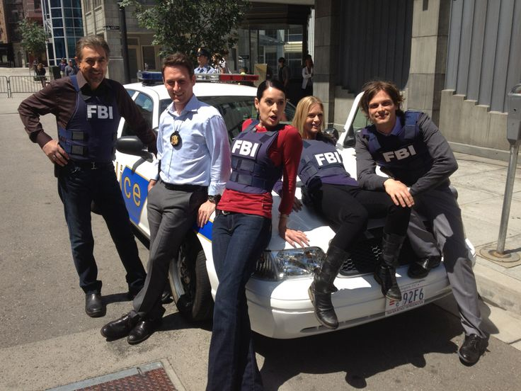 "Joe Mantegna, Josh Stewart, Paget Brewster, A.J. Cook & Matthew Gray Gubler on the set of ""Criminal Minds"""