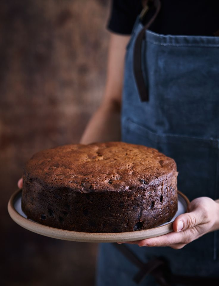 Our spiced rum and raisin cake recipe makes a lovely, lighter Christmas cake. This fruity bake is packed with a decidedly tropical flavour, but also good for the cake tin at any time of year.