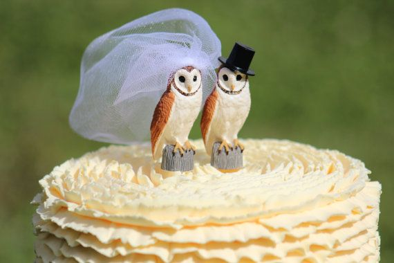 Owl Mr & Mrs Cake Topper is adorable and perfect cake topper for your wedding cake .  The bride owl is wearing white veil and the groom owl wears a